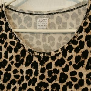 Zara Tops - Zara leopard print scoop neck